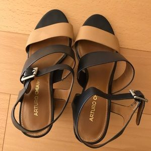 Arturo Chiang shoes